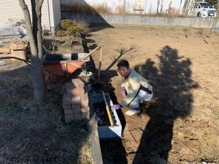 廃材利用の石畳