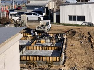 田山建設事務所新築工事・基礎立上り型枠組み