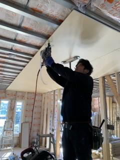 田山建設事務所新築工事・上棟から18日