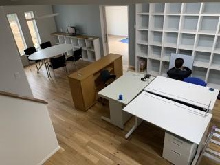 田山建設事務所にオフィス家具搬入