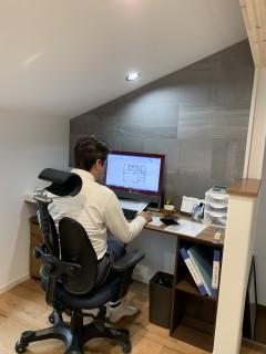 新しい事務所でお仕事開始したよ。