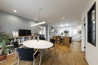 田山建設事務所の打合せスペース