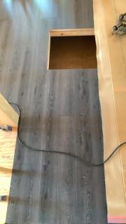 床の色はインディゴブルー